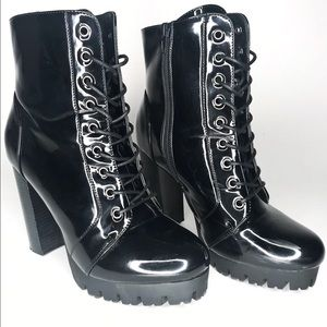 💥Black Patent Platform Boots
